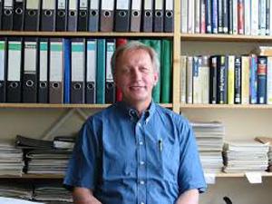 Herr Prof. Dr. Reinhart Kögerler